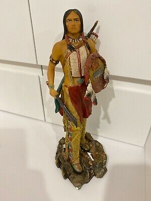 indian statue ! Beautiful Indian statue with find details and colors ! 32cm Tall