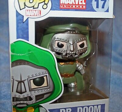 Funko POP DR DOOM #17 Missing Hand Error Vinyl Marvel Fantastic Four Villain