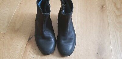 Girl's Boots Size 11 G *CLARKS*