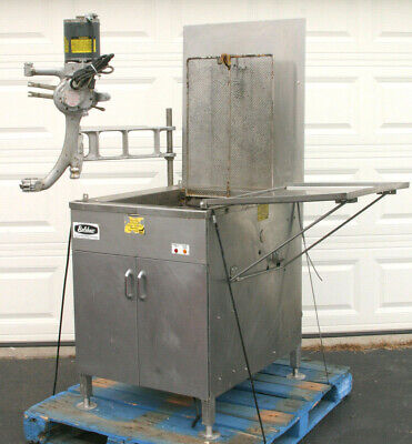 BELSHAW NG Gas Donut Fryer 718 LCG  New in 2011 Inc's Model F Powered Depositor!