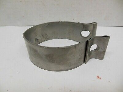 Nos John Deere 6000 Series Exhaust System  Pipe Clamp L170684