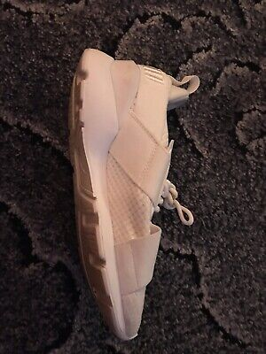 Kids/girls white puma trainers size 4 good Condition