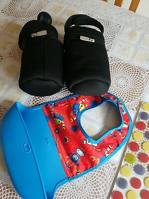 Tommee Tippee Black Insulated Baby Bottle Travel Bags X 2 & Rubber Robot Bib