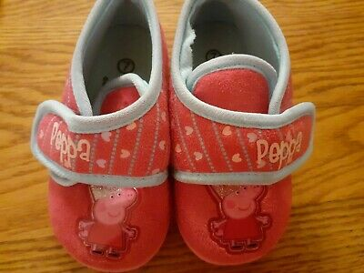 Girls pink Peppa Pig slippers size 7
