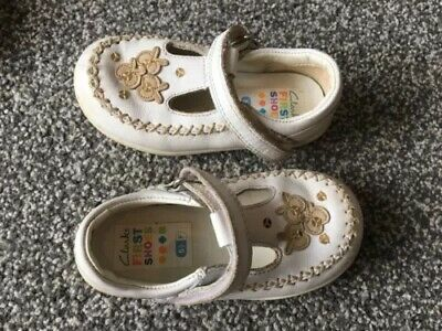 Baby Girls Infant Clarks White Leather Walking Shoes Size 5.5 F