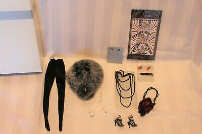 """Integrity Toys Jason Wu Doll accessories """"Luxe Finish-Moods""""2008- excellent cond"""