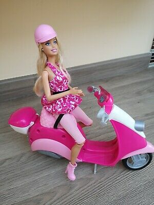 Barbie Articulated Vintage 1999 With Barbie pink Scooter/Vespa.. Fab condition
