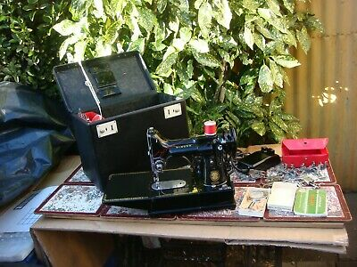 Vintage Old Antique  Featherweight Singer sewing machine Model 222k See Video