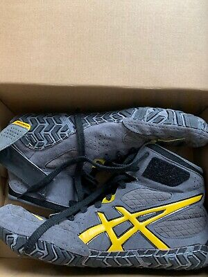 asics Aggressor 2 wrestling shoes size 12.5 new in box Graphite/Sunflower/Gray