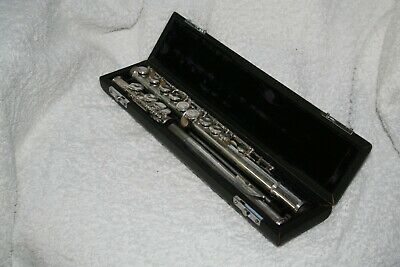 A Sapphire Flute by Rossetti of London in good used condition with case