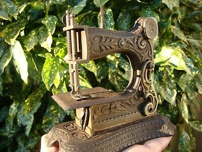 Antique MINIATURE  Children Sewing Machine MULLER Nº6 circa 1900 GERMANY