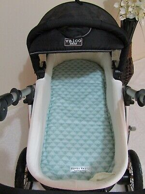 Pram bassinet liner-Mint damask-Fits all pram bassinets