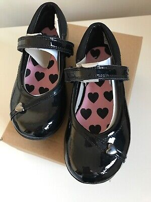 Clarks Girls Black Patent Shoes Size Infant 7 G Brand New With Box Lovely Hearts