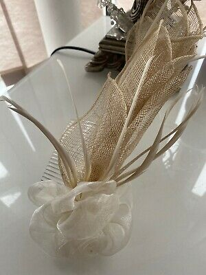 VICTORIA ANN Comb Fascinator Wedding Races Ascot Ladies Day Feathers Special