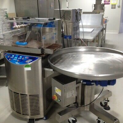 Chocolate enrobing and tempering equipment