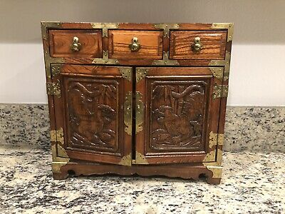 Beautiful Vintage Chinese/oriental Carved Wood Tigers Jewelry Box Chest