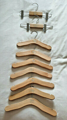 Diseny Kids Wooden Hungers 8 Tops and 2 Clips