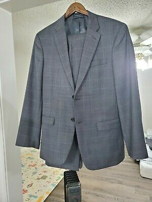 Tommy Hilfiger Gray Checkered Suit 38r With 32 X 32 Pants