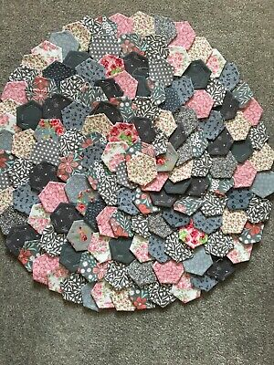 150 x GORGEOUS NEW READY TACKED PATCHWORK HEXAGONS  GREYS & PINKS