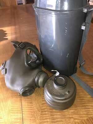 German M65 Drager Gas Mask  (Size 2) With Carrying Case DRÄGER Military Army