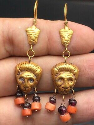 LOVELY BEAUTIFUL ANCIENT ROMAN 18K GOLD TIGER EARRING - 4th-1st Century bc