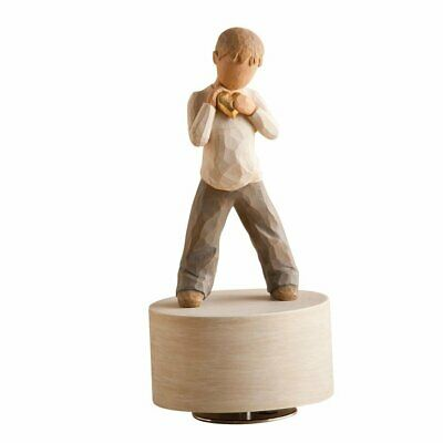 Willow Tree Musical Figurine - Heart of Gold 26458 By Susan Lordi