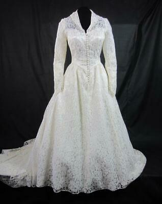 *Chantilly Lace Wedding Gown Vintage  IIvory over Satin - G Kelly Designer