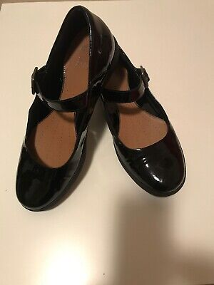 Clarks Active Air black patent leather Mary Janes size 7. Excellent condition