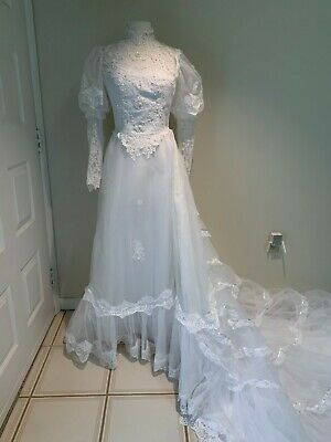 Wedding Gown- Vintage Ilgwu  Size 6?-Very Good Condition