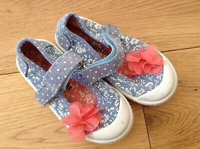 Walkright Baby Girl First Walker Velcro Straps Hard Canvas Shoes Size 4 Infant