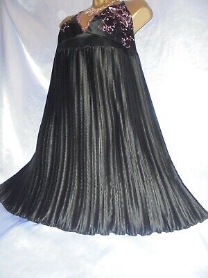Stunning Janet reger  vtg  silky pleated satin  gown  beautiful  46 chest cd/tv
