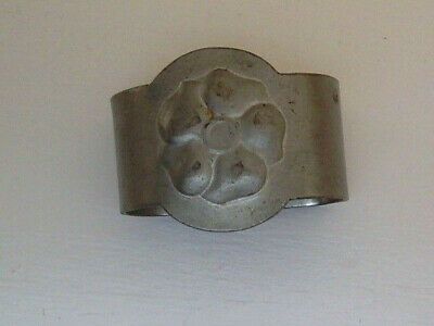 ENGLISH TUDRIC PEWTER NAPKIN RING (LIBERTY & CO by KNOX (#0933) - early 1900s
