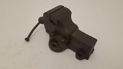 """Small Heavy Duty Vintage Engineers Vice w 2 1/2"""" Jaws 25917"""