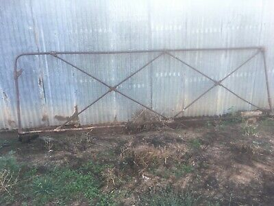 Sunshine Cast Iron Jointed Farm Gate