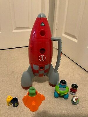 Elc Happyland Space Rocket With Vehicle And Figures - Sound&Lights