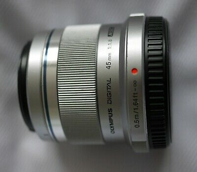 Olympus M.Zuiko Digital 45mm f1.8 Camera Lens Silver
