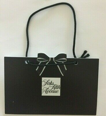 SAKS FIFTH AVENUE Single Gift Card COLLECTIBLE NO VALUE 4