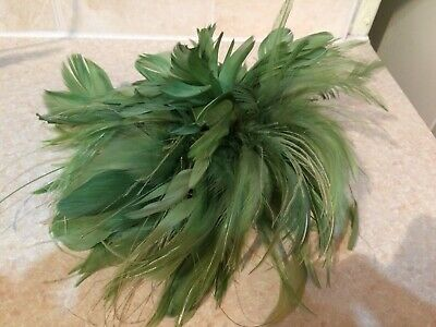 Green Feather Fascinator - Comb Fastening VGC