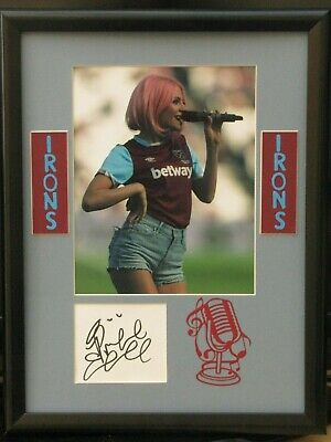 Pixie Lott Singer And West Ham United Fan Signed And  Framed Coa Free P+P