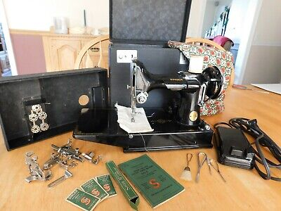 Vintage 1937 Singer 221 Featherweight Sewing Machine, Case, Manual & Accessories