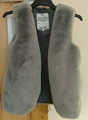 Stunning Marks & Spencer Girls cosy faux fur / fluffy teddy gilet, 12-13 Years