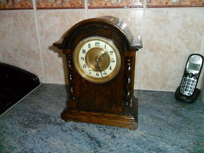 superb oak mantel clock