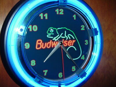 Budweiser Lizard Beer Bar Advertising Man Cave Blue Neon Wall Clock Sign