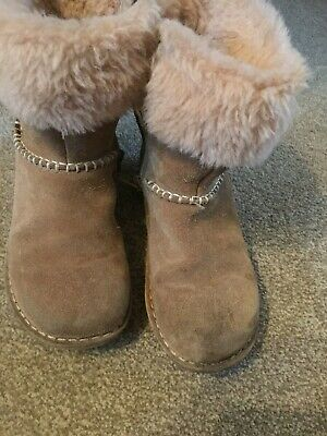 Clarks Girls Brown Suede Boots With Fake Fur Cuff Size 12G