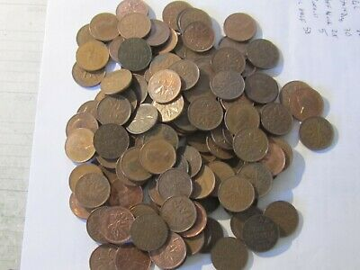 134 - Canadian One Cent Penny Lot - Mixed Dates 1926 - 1989   Obsolete Coins