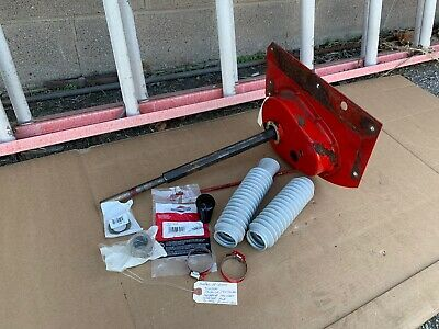 Snapper Rear Engine Rider RH FENDER WITH SHAFT AND GEAR CASE 7065479yp 7012296
