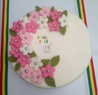 8inch Mother's Day. Christmas Cake. Jamaican Rum Fruit Cake (blended fruits)