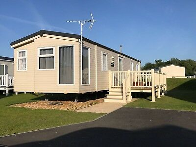 TATTERSHALL LAKES Hot Tubs 6 And 8 Berth Home From Home Caravans To Hire
