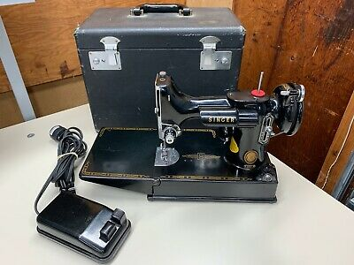 Singer 221 Featherweight Portable Sewing Machine *Fully Functional* 1954