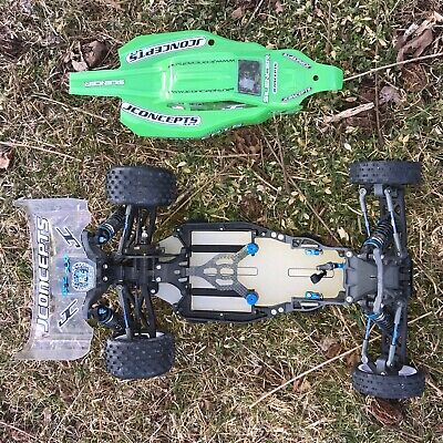 team associated b5m Factory Team Brand New Roller With Extra Tires